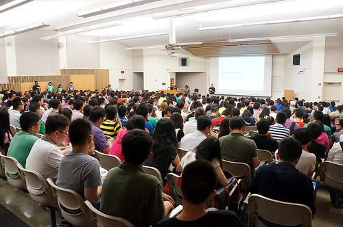 Over 500 graduate and undergraduate students attended Fall 2013 orientation